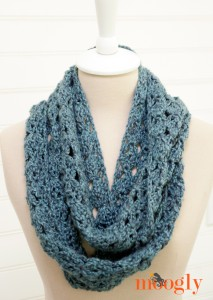 Melting-Snow Infinity Scarf